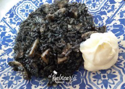 Arroz negro de calamares